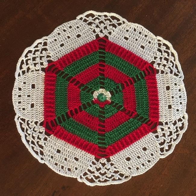 Christmas Dish Rest Pattern Free by Marsha Glassner
