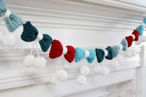 Pom Poms and Bows Crochet Garland Free Pattern 2020